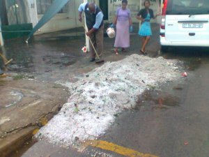 OWNER OF A PROPERTY IN ROODEPOORT SWEEPING ICE